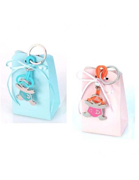 Llaveros de metal bebe con detalles en color, caja con peladillas y lazo
