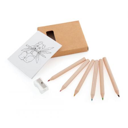 Set infantil con lápices, sacapuntas y plantillas.