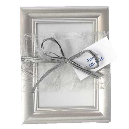Marco de fotos aluminio biselado con rafia y tarjeta.