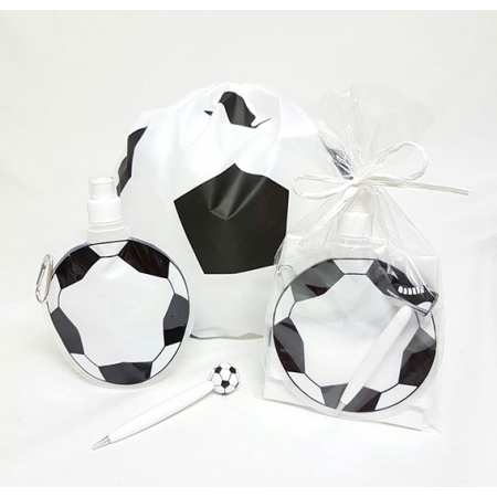 Mochila, botella y bolígrafo balón de fútbol, en bolsa preparada para eventos