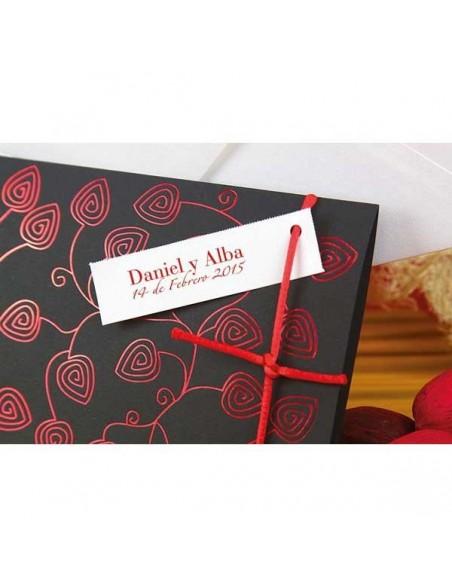 Detalles de la invitación de boda hojas rojas