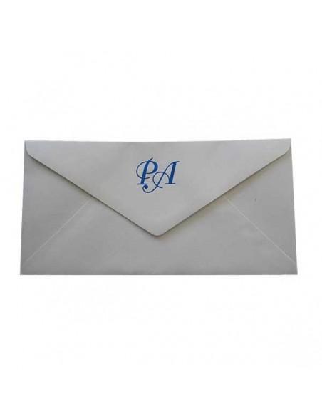 Sobre para la invitación de boda con detalles azules en brillo