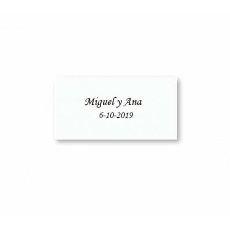 Tarjetita precortada blanca impresa para los detalles de boda