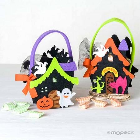 Cestas en fieltro con motivos para halloween ,fantasma y calabaza, con caramelos