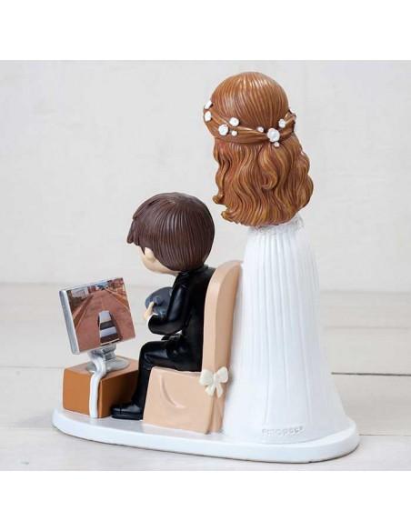 Figura para tarta de boda colección pop and fun novios con pc, dorso
