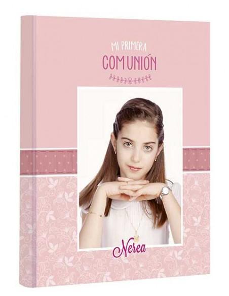 Portada del libro de comunión personalizada con la fotografía de la niña