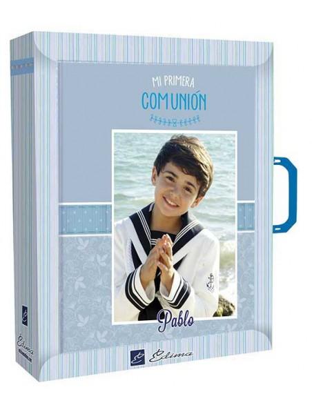 Presentación del libro para firmas Comunión, niño con biblia