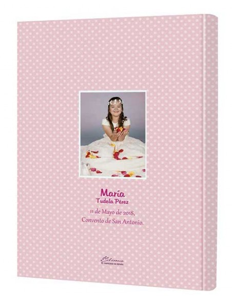 Contraportada personalizada con la foto de la niña, nombre completo, fecha y lugar de la celebración