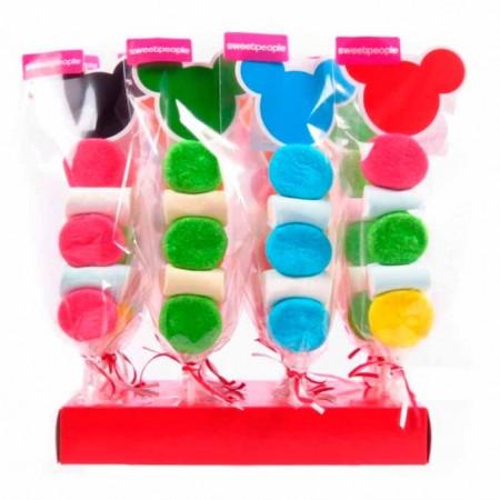 Brocheta o pincho de dulces con la silueta de Mickey