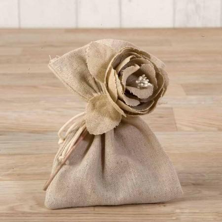 Bolsita flor de algodón en beig con deliciosos bombones