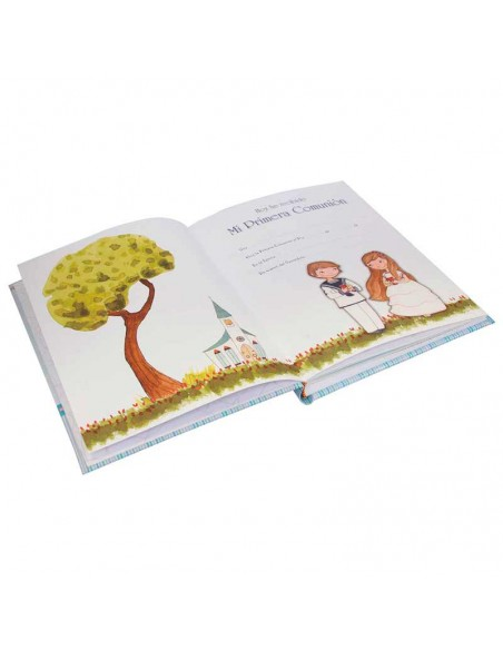 Detalle del interior del libro para comunión niño con corazones