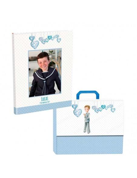 Libro personalizado de firmas para Comunión con maletín, niño corazones