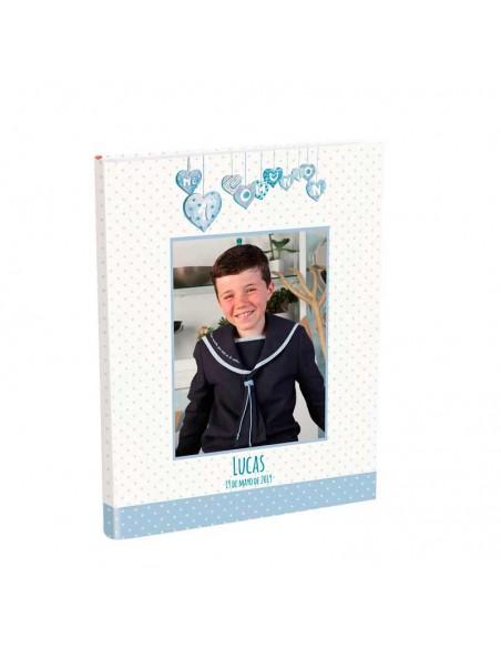 Portada del libro personalizado con la foto del niño, el nombre y la fecha.