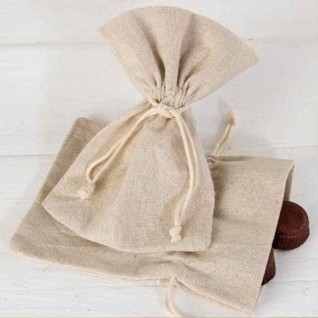 Bolsa de algodón mediana, 10x14 cm, de color beig.