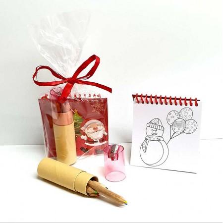 Libreta con plantillas dibujos navideños y set de lapices