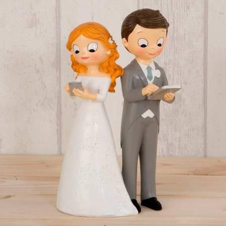 Figura Novios Tecnológicos, de la colección Pop & Fun, para tarta de boda