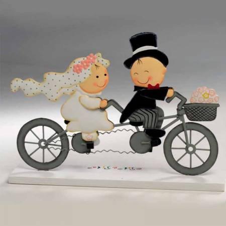 Figura de novios en bicicleta tandem, para parejas originales