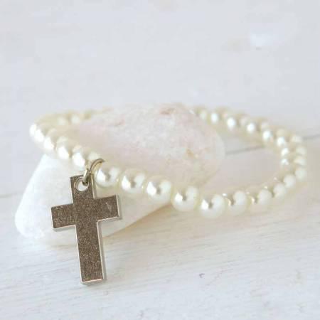 Pulsera perlas y cruz. Detalle para comunión