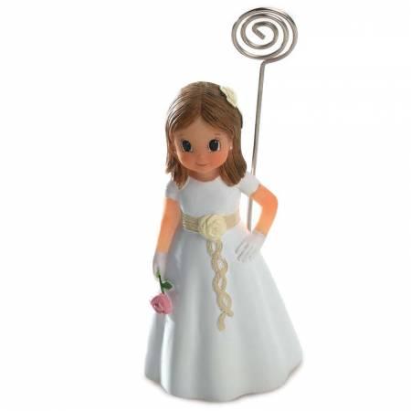 Clip portafotos en resina niña, vestido con fajín en beige con flor y lazo en el pelo.