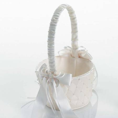Elegante cesta para arras, decorada con rombos y perlitas