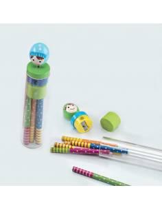 Tubo con 6 lápices colores niño en el tapón en madera y sacapuntas
