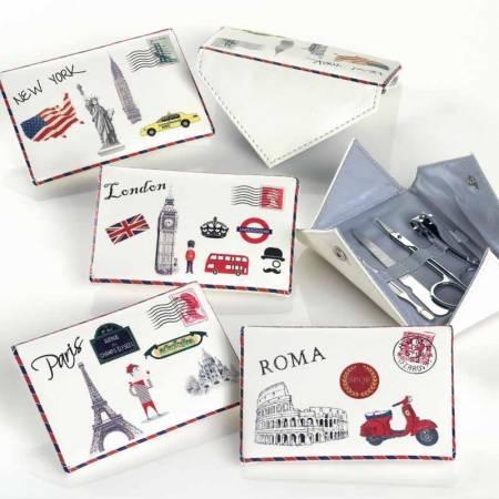 Set manicura con forma de carta, diseño ciudades. Recuerdos para ellas