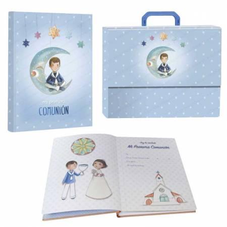 """Libro de firmas """"Mi Primera Comunión"""" con maletín, niño sentado en la luna"""