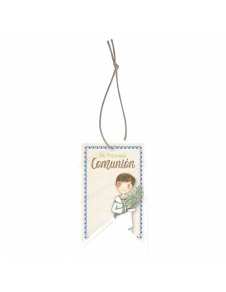 Etiqueta para los detalles de comunión decorada con un niño con una rama de olivo