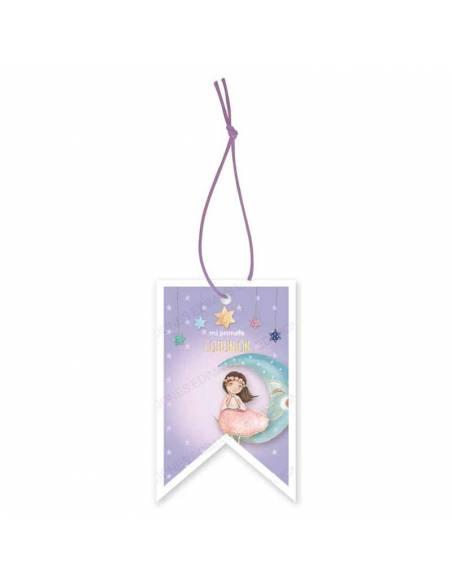 Etiqueta para los detalles de comunión decorada con una niña en la luna