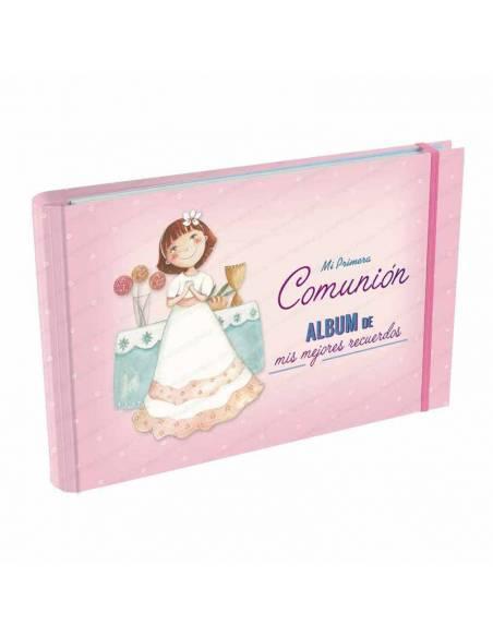 Álbum para recuerdo de 1ª Comunión, Niña con vestido blanco en el altar