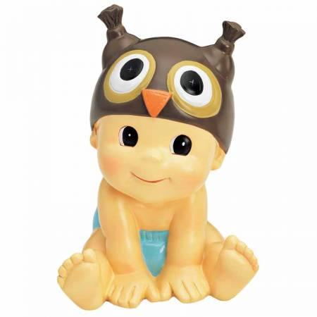 Figura hucha para decorar la tarta de bautizo que presenta un bebé pañal azul con gorrito búho.