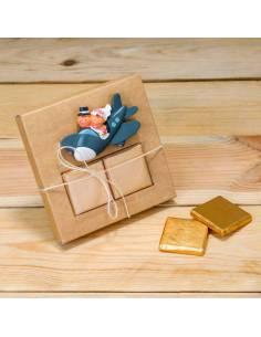 Imán novios en avión y napolitanas de chocolate, detalles para invitados de boda
