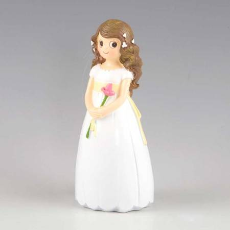 Muñeca para la tarta o pastel Primera Comunión, niña con flor en las manos.