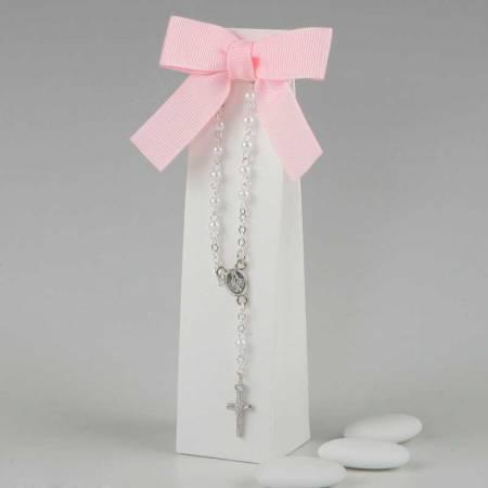 Pulsera rosario, en estuche blanco con peladillas de chocolate
