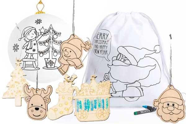 Adornos de navidad para colorear por los niños