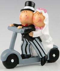 Figura tarta boda Pit y Pita en patinete